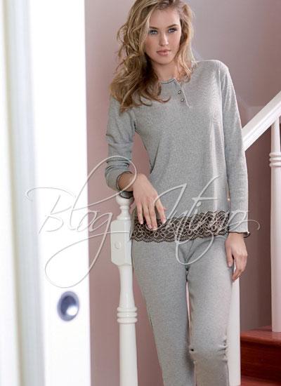 31562ba915db Delicatezza e colore, gusto e attenzione ai particolari: sono queste le  caratteristiche della Collezione Andra Autunno-Inverno 2013-2014 per  l'abbigliamento ...
